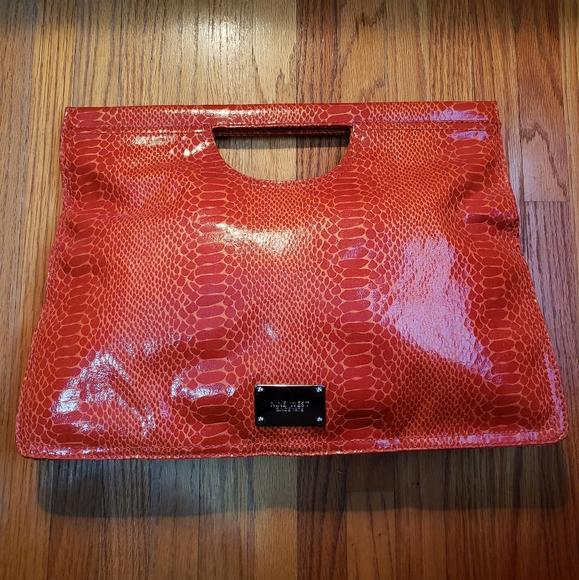 Nine West Handbags - ❤ 2 for $30 ❤ Nine West Oversized Clutch
